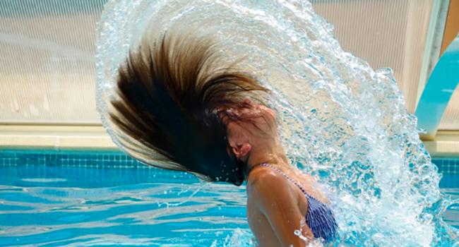 6 Consejos Para Proteger Tu Pelo Del Cloro: No Más Pelo Seco…¡o Verde!