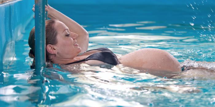 Natación En El Embarazo, Bueno Para Tí Y Para Tu Bebé: Qué Tener En Cuenta